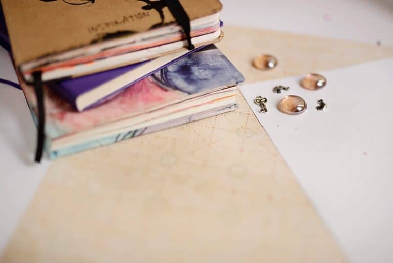 Best Mixed Media Sketchbooks for Art Journaling (How to Choose the One for Your Style)