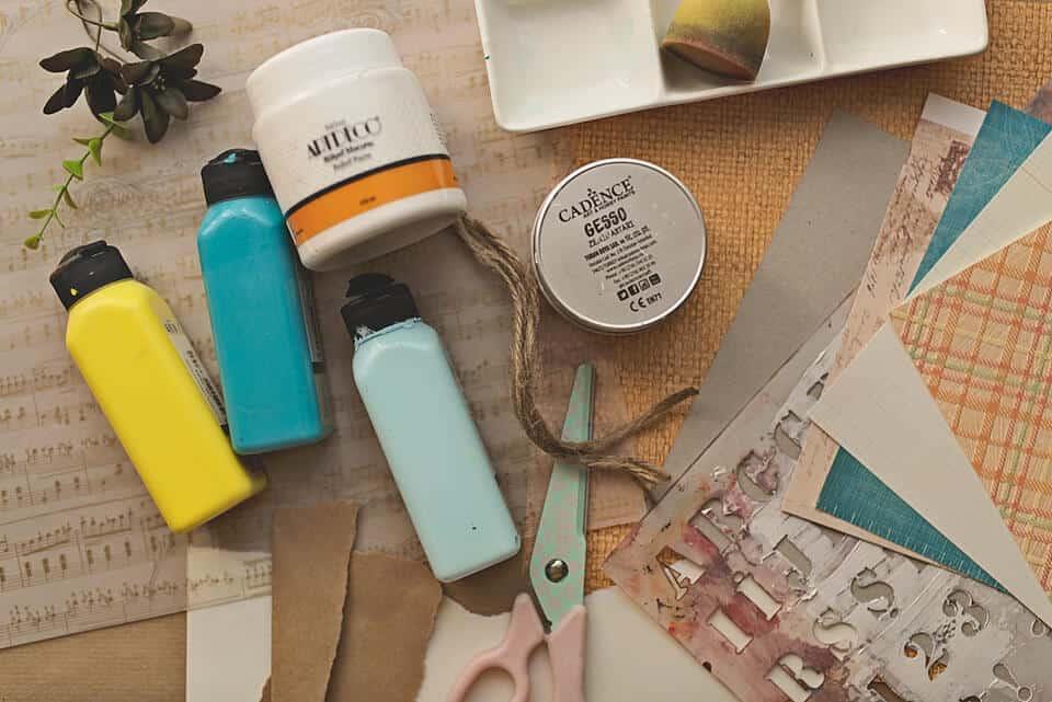 ART SUPPLIES FOR A DIY ART JOURNAL