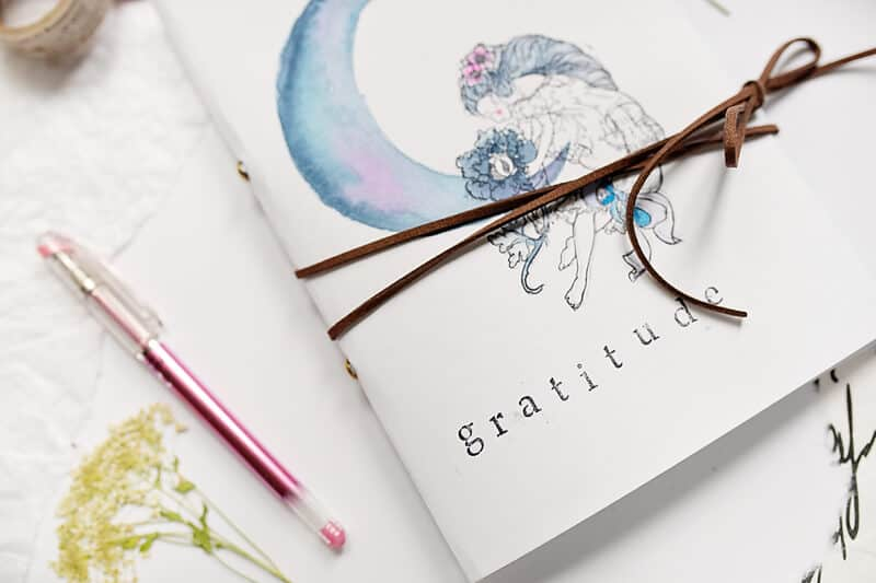 DIY GRATITUDE JORUNAL FOR MINDFUL ART JOURNALING