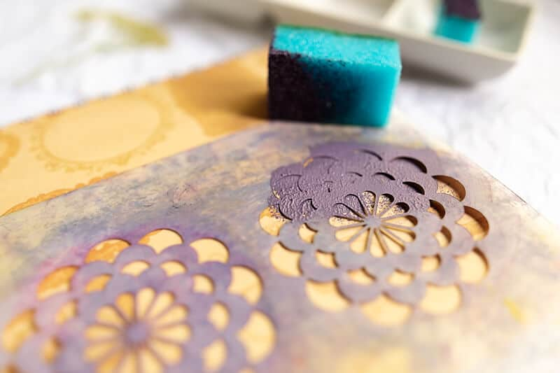 HOUSEHOLD ITEMS FOR ART JOURNALING: A KITCHEN SPONGE USED WITH A STENCIL