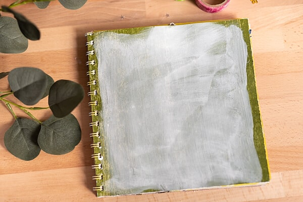 APPLY GESSO WITH A CLOTH